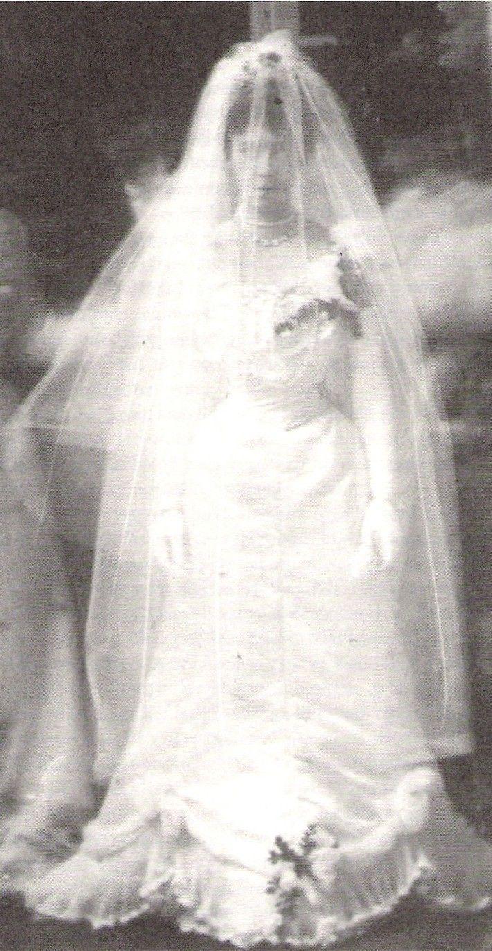 Wedding Dresses  Belgium : Queen elisabeth to king albert of belgium