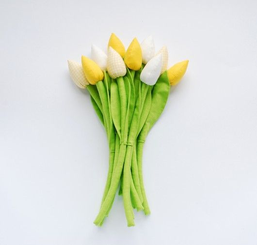 wnętrze - różne-Bukiet żółtych tulipanów