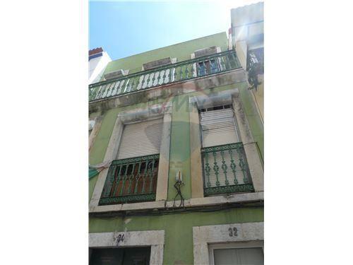 Edificio Habitacional - T7 - Venda - Arroios, LisboaPRÉDIO DEVOLUTO - PARA INVESTIDSORES  |More Sharing Servicesshare|Share on facebookShare on twitterShare on linkedin 160.000 €  Conversor de Moeda Campo Mártires da Pátria - Arroios, Lisboa 10Total de Assoalhadas7Quartos 4Casas de Banho149Total m² 3Nº Pisos84,00Tam. do Lote (m²) 1950