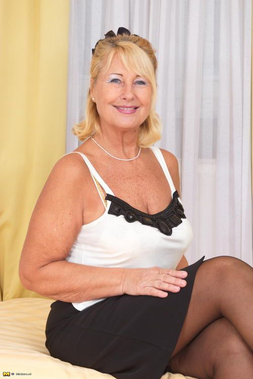 cooks mature singles Mature singles dating 32k likes www40pluskisscom is a great dating site for mature singles who are over 40 to find high quality matches.