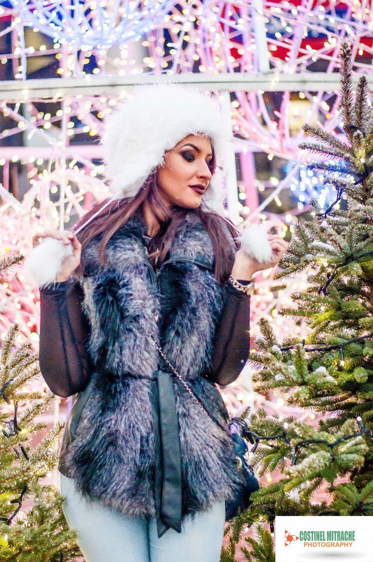 Model: Nicoleta Fotograf: Costinel Mitrache Locatie: Ayan Cafe Craiova Contact: 0765.830.161
