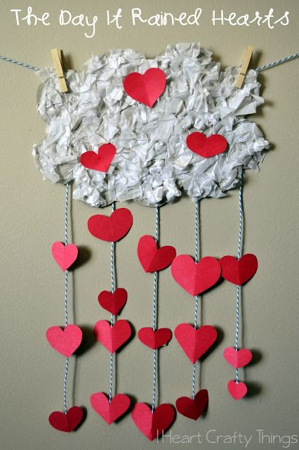Kids Valentine's Craft to go along with The Day It Rained Hearts by Felicia Bond.--via I Heart Crafty Things