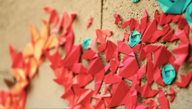 Mademoiselle Maurice - Origami Street Art. Une installation éphémère et non dégradante de l'artiste Mademoiselle Maurice. Du street art poét...