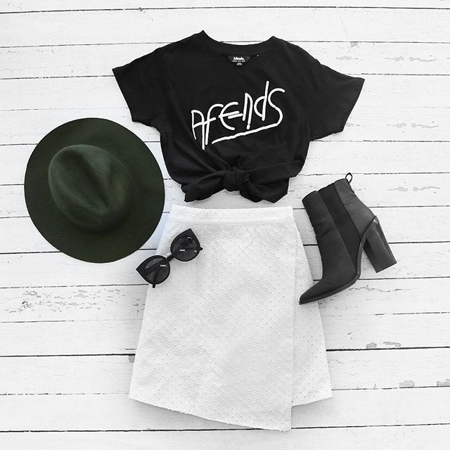 Did you get your #Splendour ticket?! Deciding your outfit already?✌️ We're loving the @afends Vegas Logo Tee + @thefifthlabel Arrivals Skirt ✔️ bb.com.au/new #TeamBB