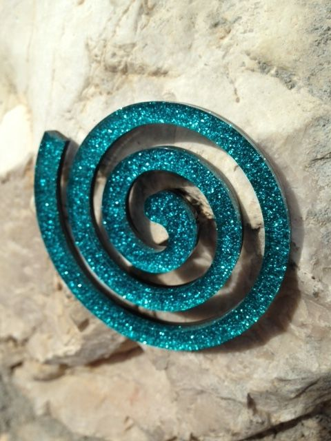 The absolute New Collection Spiral Broch on stone's surface for Scicche www.scicche.it