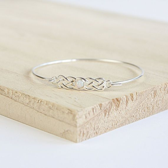Astrid Celtic Bangle, kies uw edelsteen, Sterling Zilver, zilveren Keltische Bangle, Celtic armband, Celtic sieraden, Wicca sieraden, Pagan