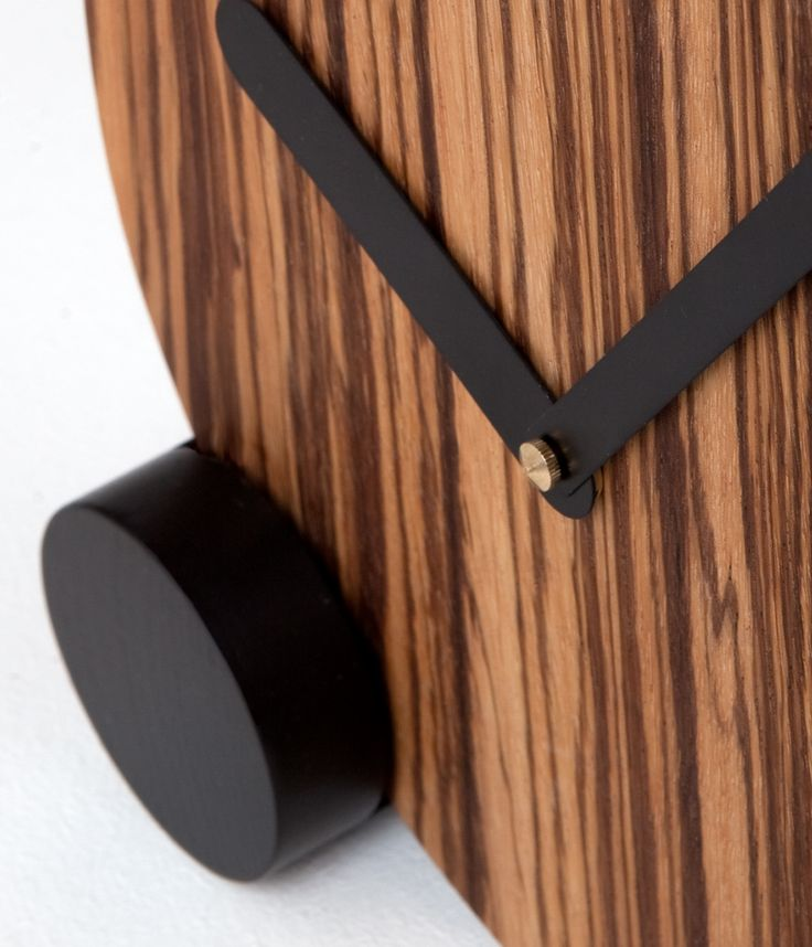 CIRCLOCK STRIPES_wooden clock_Daniele Bortotto_Just99