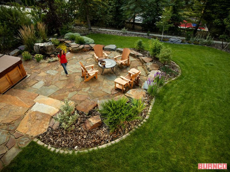 Backyard Natural Stone Patio #BURNCO #landscaping #flagstone #backyard