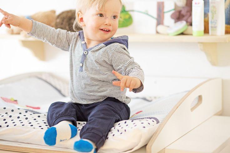Baby auf #Wickelaufsatz für #Ikea #Malm #Kommode / #baby that is ...