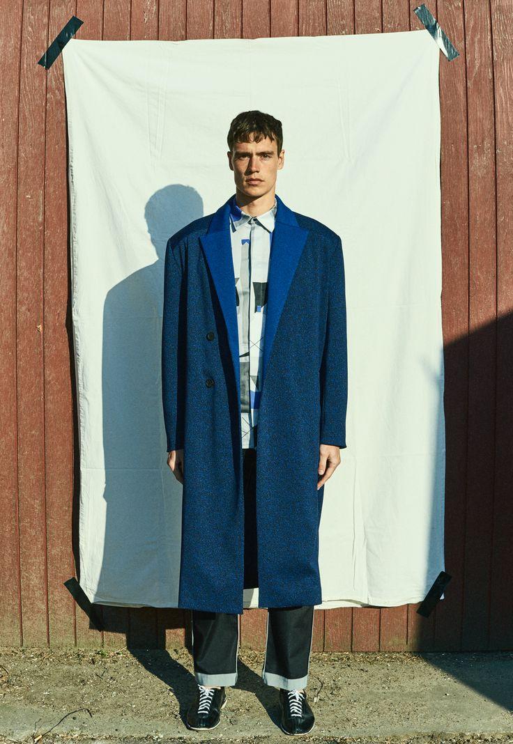 MA  graduation collection  Design: Trine Stenmann  Collaboration: Viking Rubber Co. Photo: Stefan Wessel  Model: Bjørn, Diva models