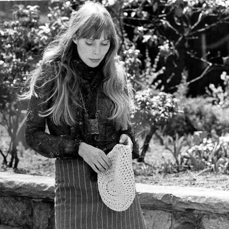 8 Of The Most Achingly Beautiful Joni Mitchell Lyrics via MarieClaire.co.uk