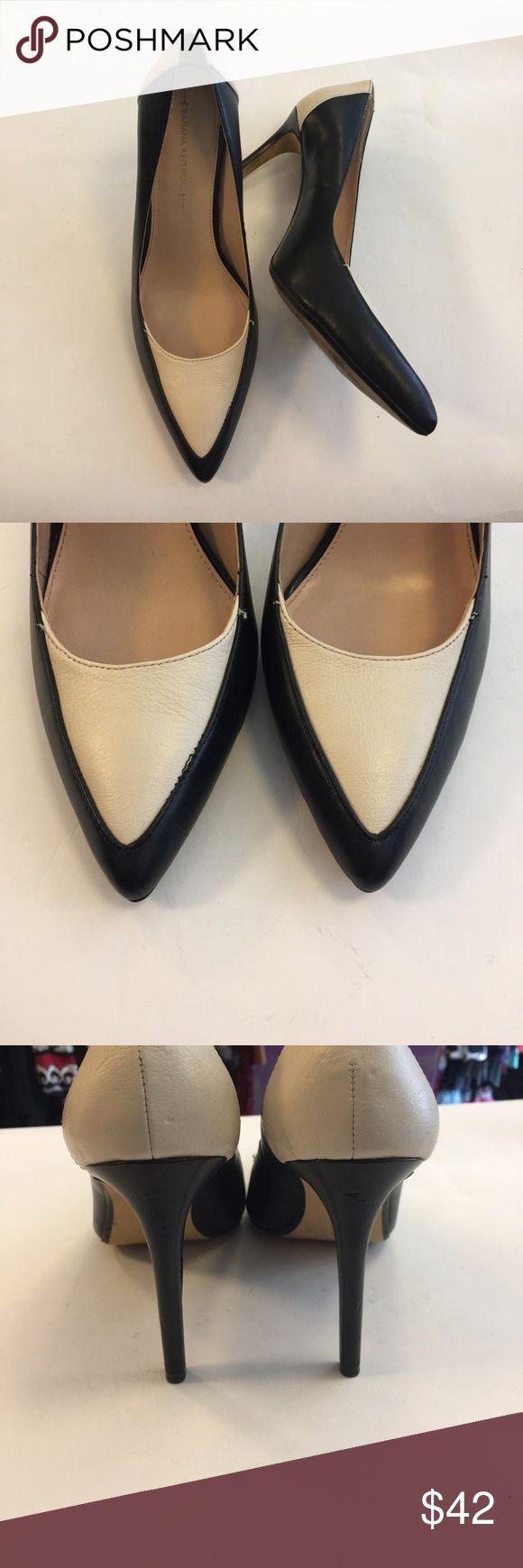 """Banana Republic two tone heels Worn a few times. 4.25"""" heel Banana Republic Shoes Heels"""