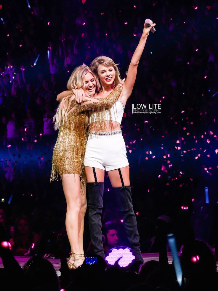 "Taylor and special guest Kelsea Ballerini performing ""Love Me Like You Mean It"" during the 1989 World Tour in Nashville night one! 9.25.15"