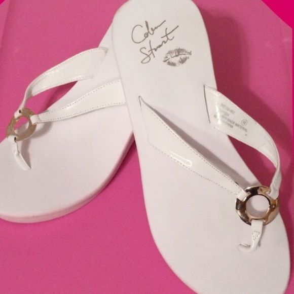 """VS COLIN STUART Wedge Platform Sandals Flip Flops Like New! Worn once for about 15 minutes but height is tooooo tall for me (I'm already 5'10) so I literally never made it out the door in these!  Colin Stuart by VICTORIA'S SECRET White Wedge Flip Flops / Thong Platform Sandals  SIZE: 10   Leather Strap / Center Gold O'Ring /  Platform Heel Height: 3•1/2"""" Colin Stuart Shoes Sandals #sandalsheelswedge"""