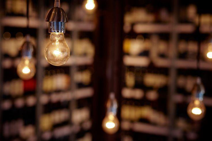 Mostaza Design   Vino & Compañía   Madrid   Wine Shop   Interior design   Bulbs   #retaildesign #mostazadesign #wine #shop #vinoycompañia #interiordesign #interiors #retail #light