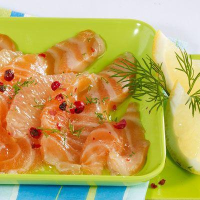 Découvrez la recette Carpaccio saumon-pamplemousse sur cuisineactuelle.fr.