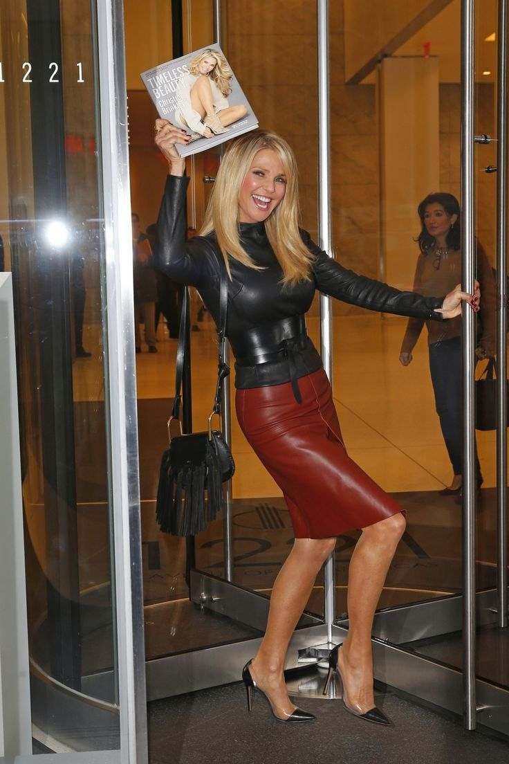Pin by Jim Kuzman on Christie Brinkley in 2019 | Leather ...
