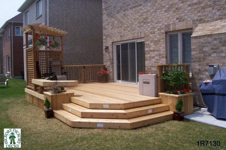 Medium low 1 level deck with bench planters privacy for Privacy planters for decks