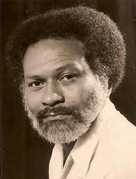 R. Dobru, 1935-1983. Surinaamse dichter, schrijver en politicus. Pseudoniem van Robin Ewald Raveles.