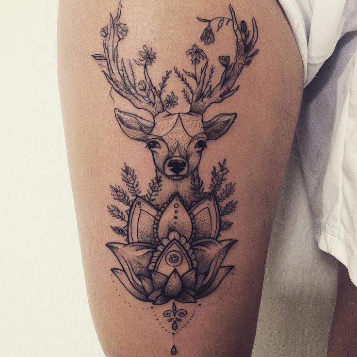 """""""Cervo com lotus e chifres floridos, pra Julia.  #tattoo #deer #deertattoo…"""