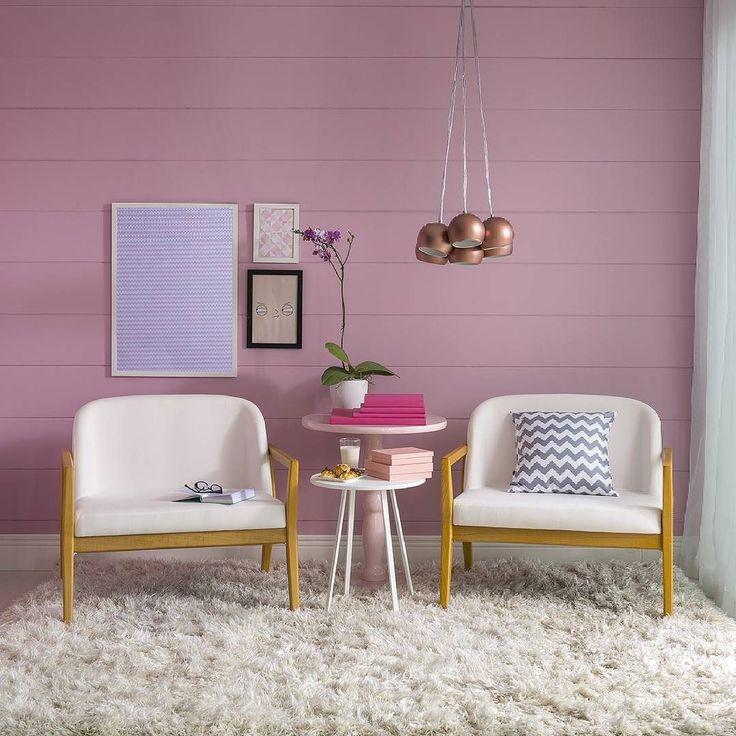 Uma dose criativa de rosa com toques de rosé gold é a alternativa perfeita para transformar aquele canto favorito da casa. O resultado é uma decor fofa e puro amor!!  Produtos: - - Pendente Coconut Cobre Mate 7x15W Bivolt; - Poster A5 - Quartz Rose;  #Mobly #MoblyBr #decoration #instadecor #instahome #casa #home #interiordesign #homedesign #homedecor #homesweethome #inspiration #inspiração #inspiring #decorating #decorar #decoracaodeinteriores