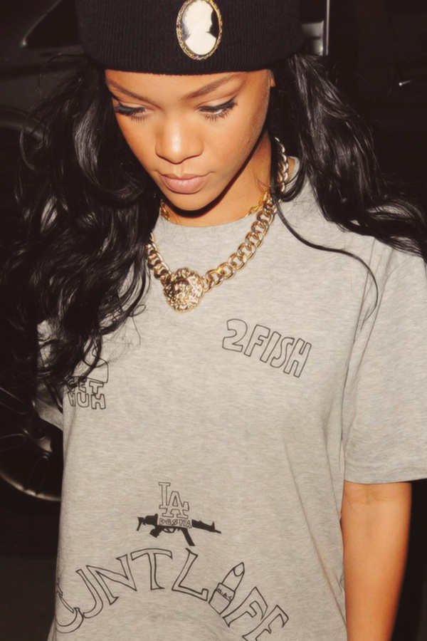 335 best Rihanna! images on Pinterest | Rihanna style, Queens and ...