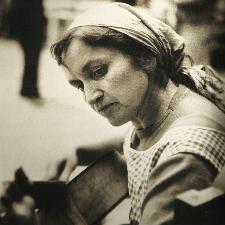 La poeta Violeta Parra.