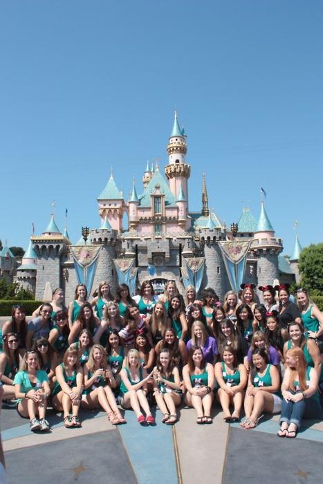 sigma kappa socal disneyland sisterhood event!Mystic Bond, Kappa Σκ, Sigma Kappa, Fullerton Sigma, Kappa Sugar, Greσκ Life, Kappa Socal, Sig Kap, Disneyland Sisterhood