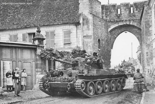 """British tank """"Cromwell"""" (Cromwell Mk IV) of the 2nd regiment of the 8th tank…"""