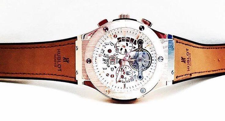 HUBLOT TOURBILLON AUTOMÁTIC. Reloj totalmente funcional automático con cronógrafo replica AA pulso en cuero de alta calidad caja en antimonio cobrizada maquinaria 3227 automática incluye estuche. Precio: $99000 COP ( incluye envío ) Whatsapp:57 304 490 4682 Síguenos y obtén espectaculares descuentos. #HUBLOT #BIGBANG #TOURBILLON #automático #AUTOMÁTIC #watches #watch #watchesofinstagram #watchoftheday #relojes #berlintim #time #sale #watchsale by berlinn_time