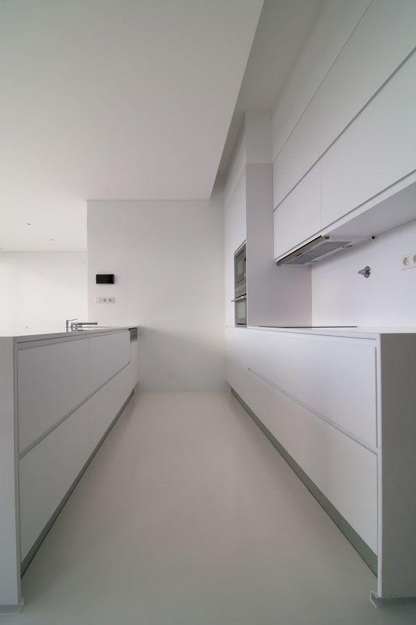 Modern weekend house in Portugal by N2X Aarquitectos _