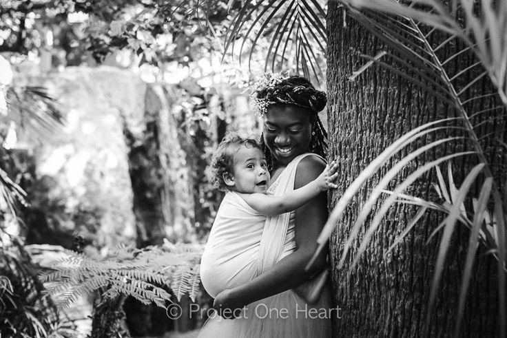"Christelle WOC mothers, Women of Color. Project One Heart ""Increasing the visibilityof Mothers of Color"" Collaboration between Christelle Barrere-Collet (Australian Babywearing Collective) and Belle Verdiglione (Photographer). Photo by Belle Verdiglione."