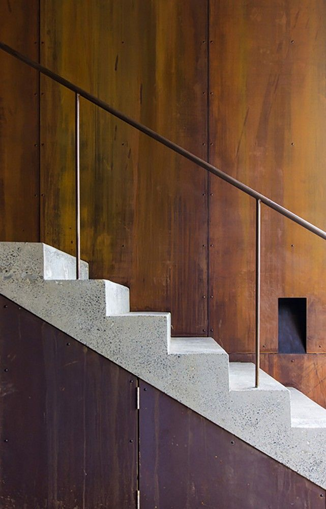 Railing. Pacific House by Casey Brown Architecture (via Lunchbox Architect)