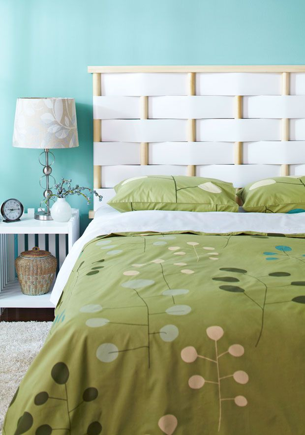 Diy a headboard using dowel rods and vinyl flashing for Modern headboard diy