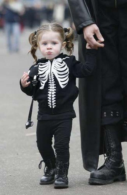 totally doing this to my niece. lil goth girl
