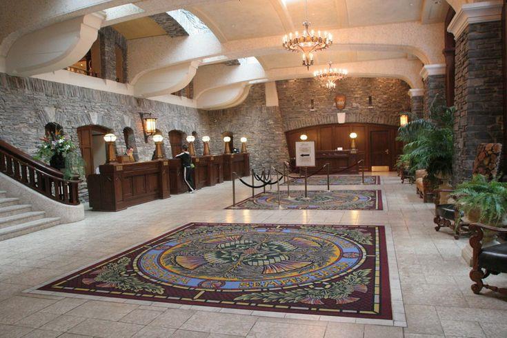 BANFF SPRINGS HOTEL, CANADA - GRAND LOBBY