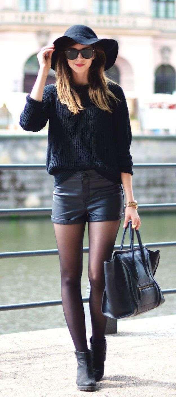 319925d1b6 Cómo llevar pantalones cortos en otoño invierno  fotos de los looks - Look  con pantalones cortos de cuero