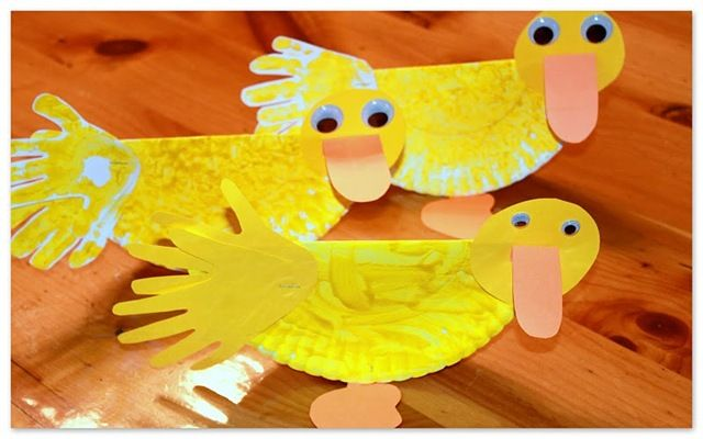 duckDucks Crafts, April Shower, Ponds Theme, Preschool Ideas, Kids Crafts, Animal Crafts, Preschool Crafts, Plates Crafts, Paper Plates