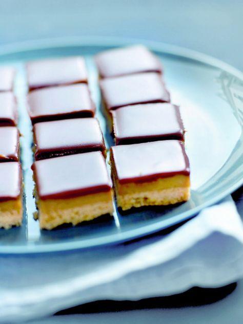 Choco-karamelkoek met twee vingers in je neus | ELLE Eten