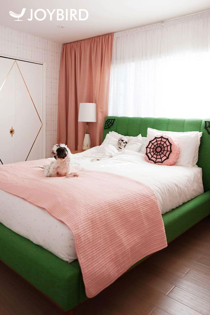 11 Simple And Stunning Ways To Make A Small Bedroom Look Bigger