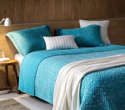 Dorm room bedding, comforter set, twin xl, blue college bedding, blue quilt, blue room theme, cute room ideas