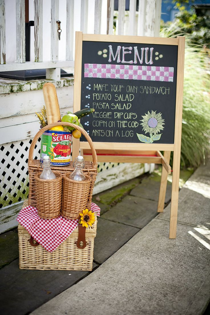 Love the idea of using a blackboard, you could put the child's name on it wishing them a happy birthday.  #teddybearpicnic #teddybearpicnicdecorations