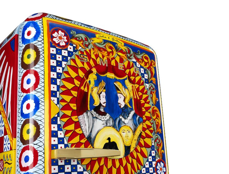 Dolce&Gabbana and Smeg have teamed up once again for the design of a special edition of the FAB28 refrigerator, transforming it into a work of art. The first examples of this special collection will be presented during the Salone Internazionale del Mobile 2016, which will be held from April 12 to 17 in Milan. #DGSMEG