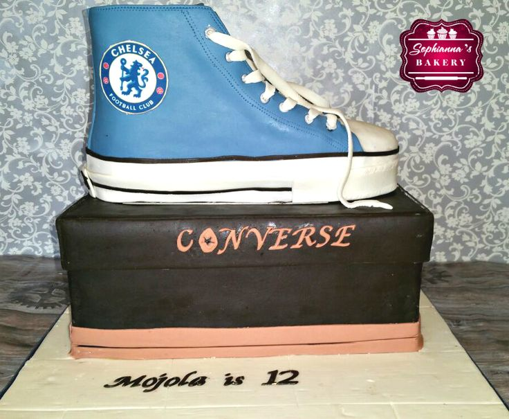 Converse shoe and box cake