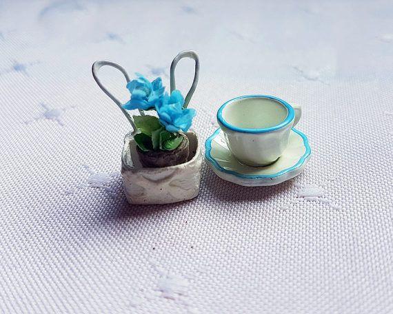 Half Scale 1/12 scale Miniature Flowers 1:24 scale Bunny