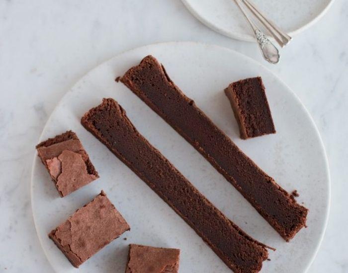 Opskrift på brownie med skøn smag af kaffe. Brownieopskriften kræver kun få ingredienser og er et sikkert hit hos dem, der skal spise den