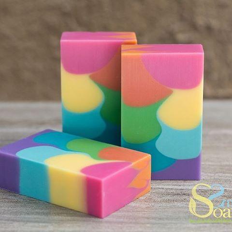 wall pour soap technique, cold-process soap by steso