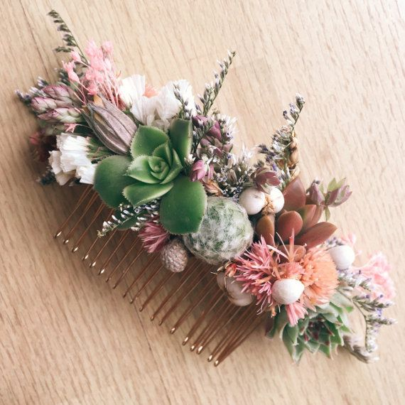 A sweet succulent and dried flower hair comb in shades of green and pink with touches of seasonal floral. Measures approximately 4.25 long. Made with real succulents and dried flowers. Succulents may be replanted after use. Place orders in advance by including your event date in the notes at checkout. We typically ship succulent items to arrive 1-3 days prior to ensure they look their best.
