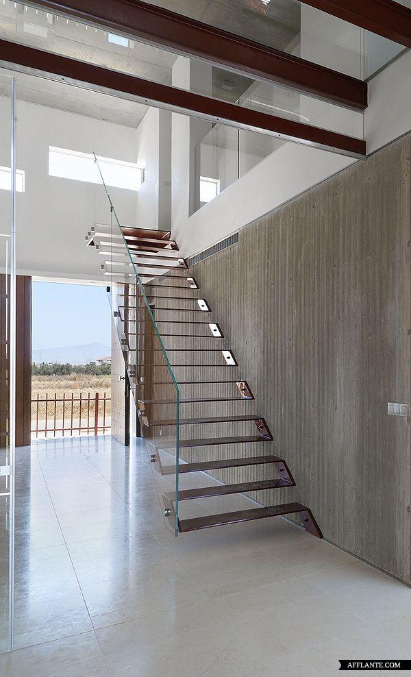 Treppe Glas und Metall