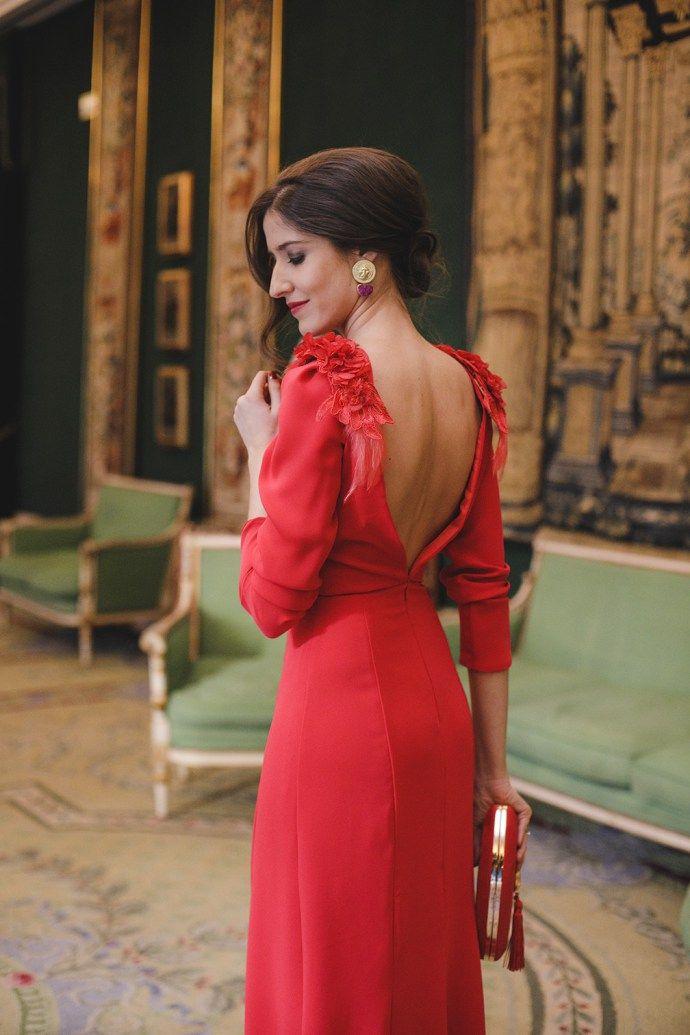c644b8b8a4f Look invitada boda noche vestido rojo largo espalda | Estilo en 2019 ...